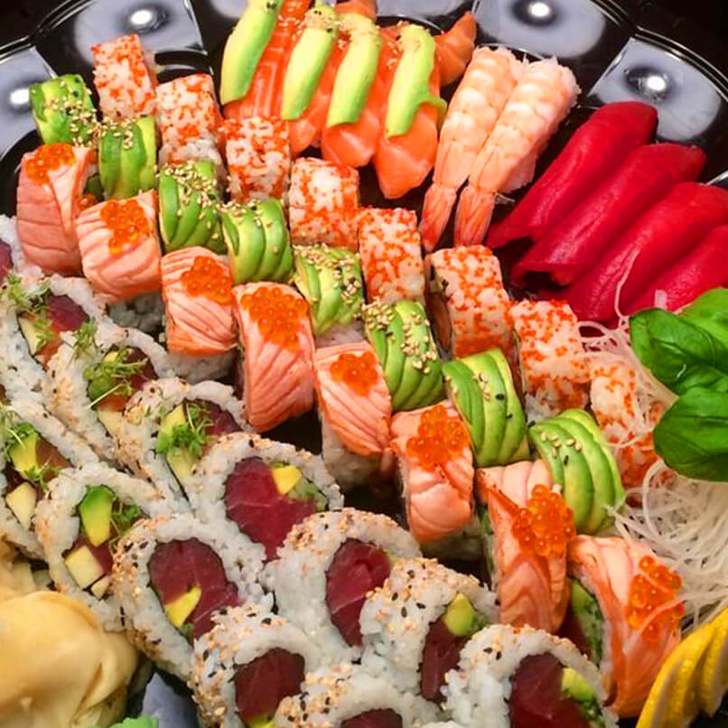 RICH SUSHI PLATTERS for your Special Parties